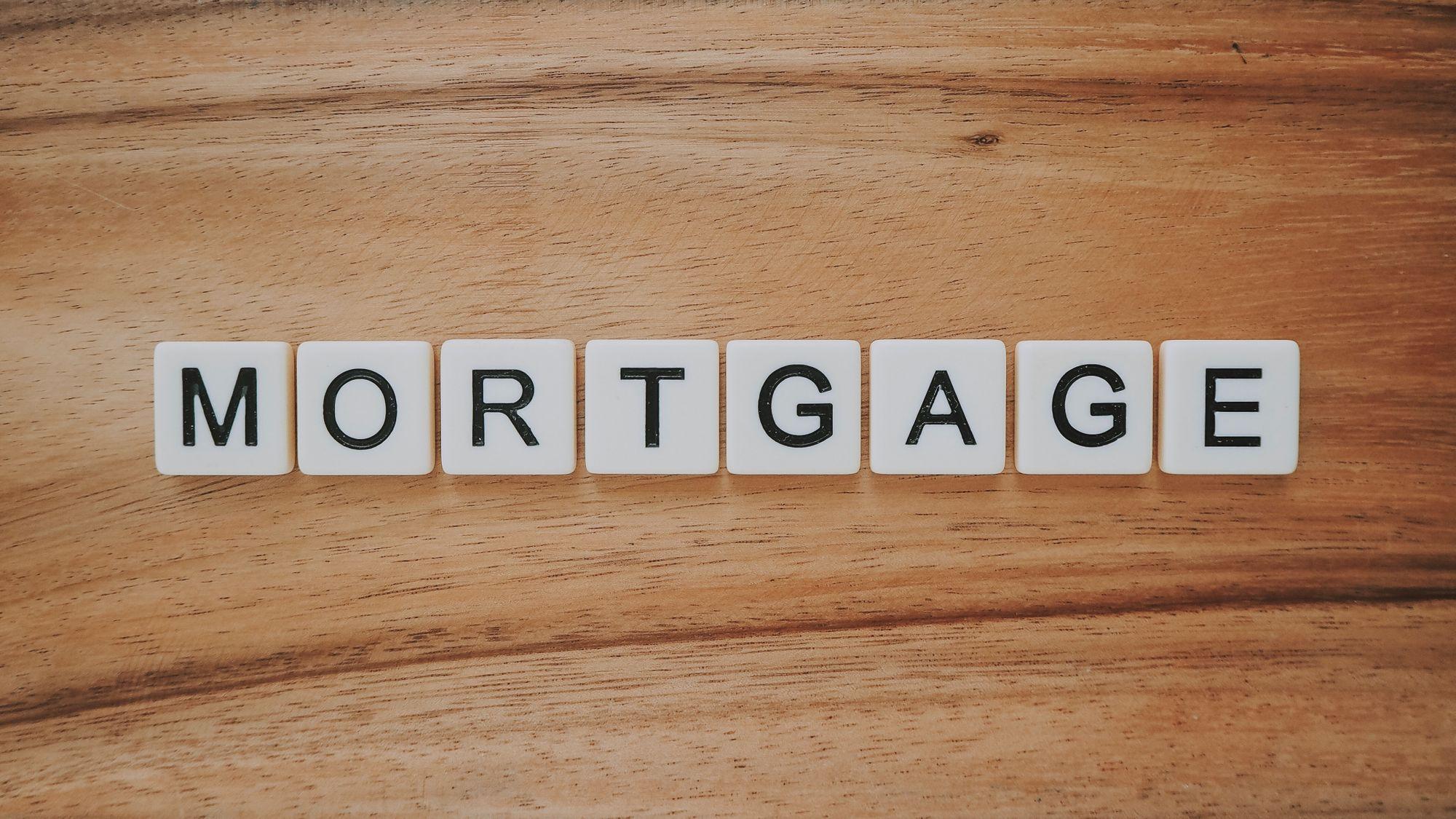 Financial Advisor vs Mortgage Broker
