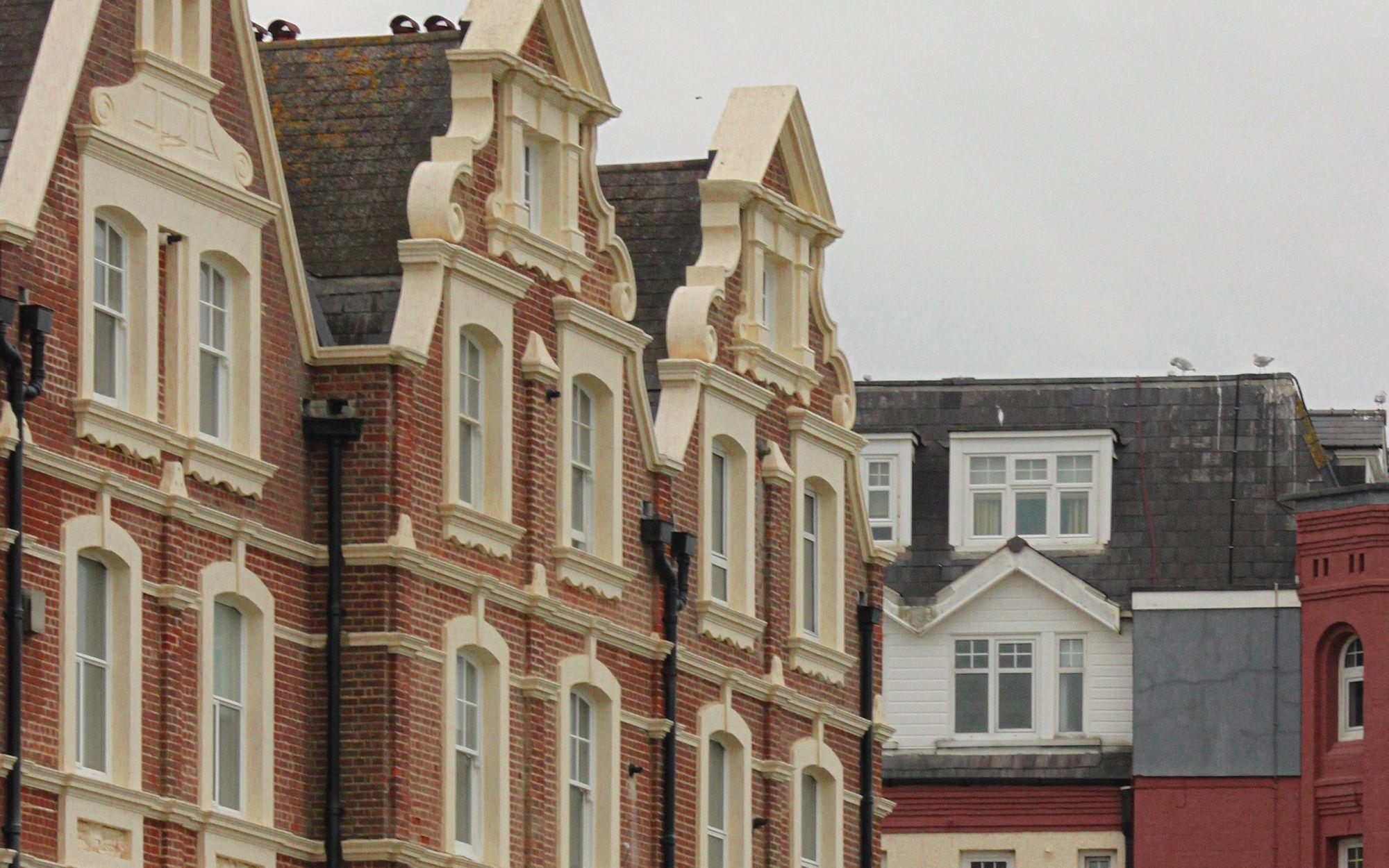 Hot Housing Market Creating Risk to UK Economy